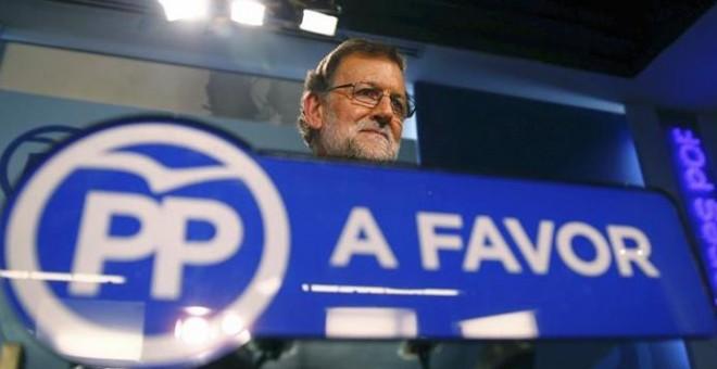 El líder del PP, Mariano Rajoy, durante la rueda de prensa ofrecida tras el Comité Ejecutivo Nacional del partido reunido hoy en la sede de la calle Génova, en Madrid, para analizar los resultados de las elecciones vascas y gallegas. EFE/J.P.GANDUL