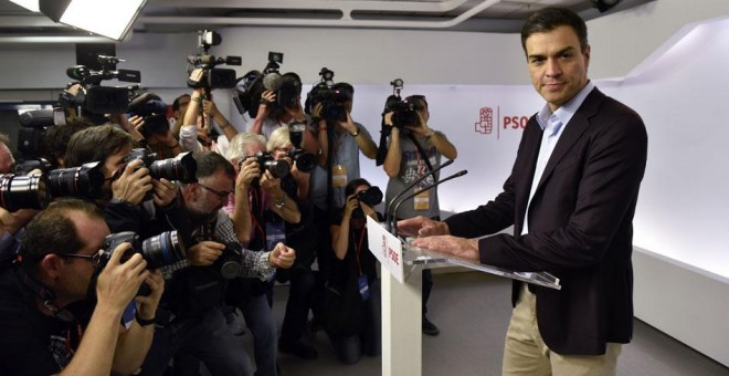 El secretario general del PSOE, Pedro Sánchez, en Ferraz. / FERNANDO VILLAR (EFE)