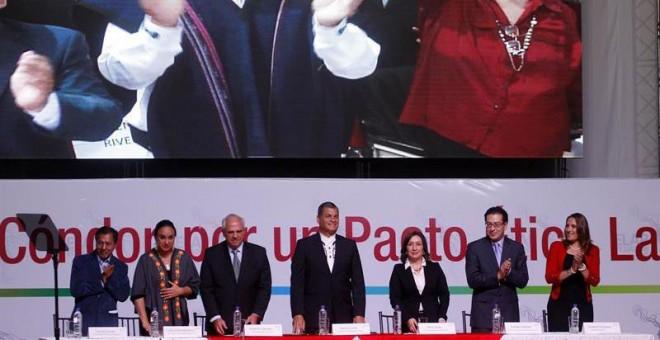 El presidente de Ecuador Rafael Correa y el secretario general de la Unasur, Ernesto Samper asisten a la inauguración del tercer Encuentro Latinoamericano Progresista (ELAP.- Fredy Constante (EFE)