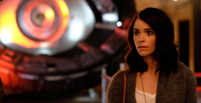 Abigail Spencer en la serie 'Timeless'.