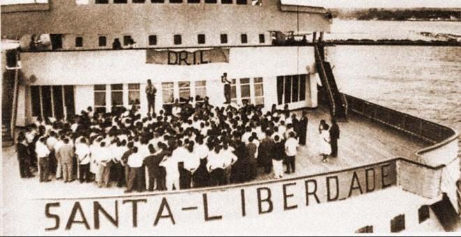Cubierta del transatlántico Santa María, rebautizado como Santa Liberdade tras su secuestro por un comando del DRIL.