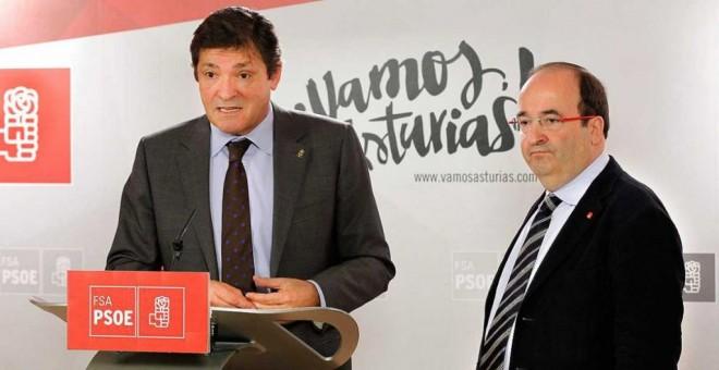 Javier Fernández y Miquel Iceta en una imagen de archivo. EFE