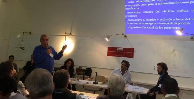 Juan Gimeno, presidente de Economistas sin Fronteras y uno de los organizdores de las Jornadas, durante su intervención. / Twitter