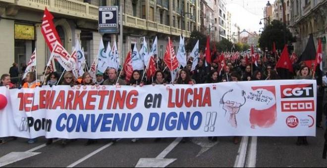 Manifestación en Valladolid de los trabajadores de 'contact center', en el día de su paro general de 24 horas. E.P.
