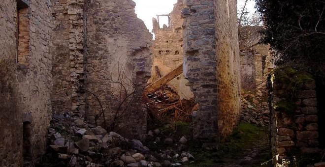 Los antiguos vecinos y sus descendientes han comenzado a recuperar algunas casas de Jánovas.