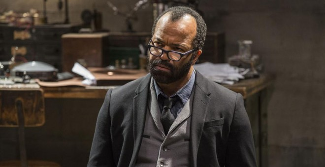 Jeffrey Wright interpreta a Bernard en 'Westworld'.