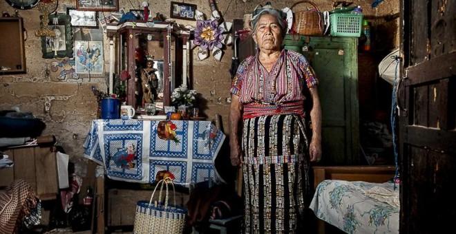 """María, de 74 años, también fue víctima del conflicto armado. """"Mi cuñado se escondía en el monte junto a otros compañeros para evitar ser arrestados en las batidas del ejército. Una noche, nunca volvió""""./ G. G."""
