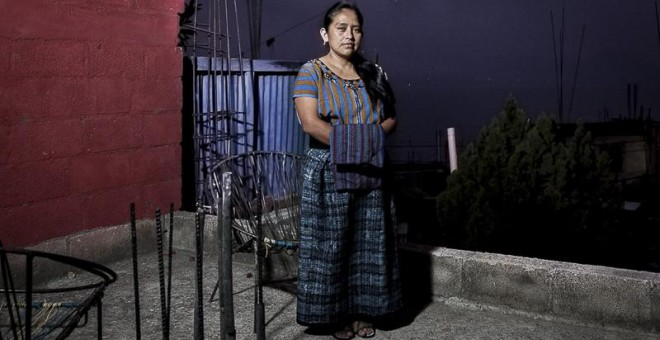 """Elvira Carolina Pérez tiene 35 años y es activista en defensa de los derechos de la mujer indígena. Durante su etapa en un colegio de Quetzaltenango, uno de sus compañero la discriminó y humilló públicamente por su identidad indígena tachándola de """"india"""""""
