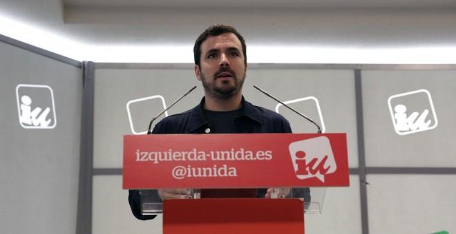 El coordinador federal de Izquierda Unida, Alberto Garzón, durante la rueda de prensa que ha ofrecido en la sede de la formación. EFE/Ana Márquez