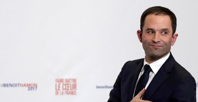 El exministro de Educación francés, Benoit Hamon, tras conocer los resultados parciales de la segunda vuelta de las primarias del socialismo francés. REUTERS / Christian Hartmann