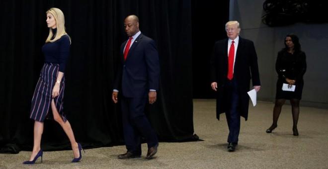 Ivanka Trump y su padre visitan este martes Museo de Historia y Cultura Afroamericana, en Washington. | REUTERS