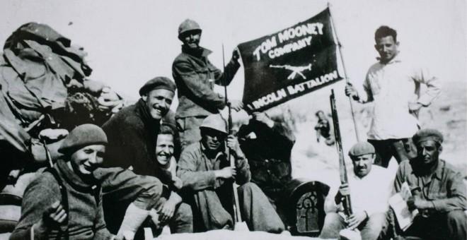 """Voluntarios estadounidenses de la Brigada Internacional """"Abraham Lincoln"""" en la Batalla del Jarama."""