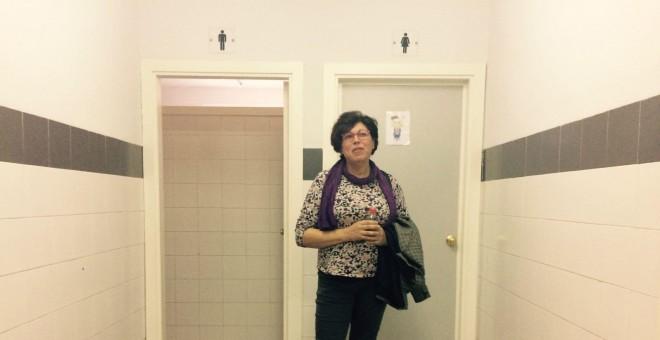 La maestra Josefa Suarez en el colegio público sevillano Gloria Fuertes. PÚBLICO