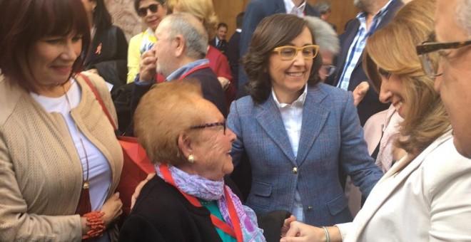 Susana Díaz saluda a víctimas del franquismo.- D.C.