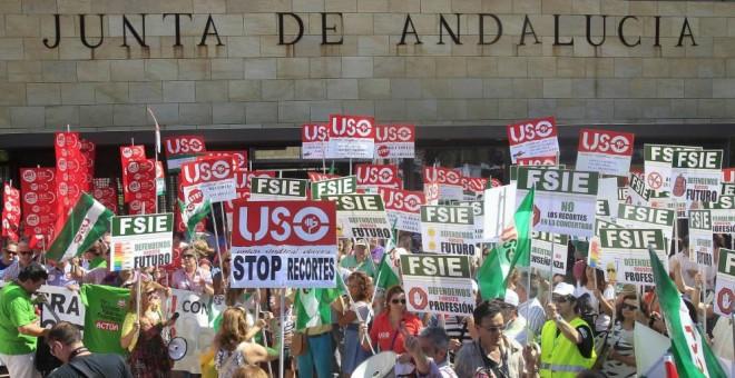 Imagen de archivo de una manifestación de profesores. EFE