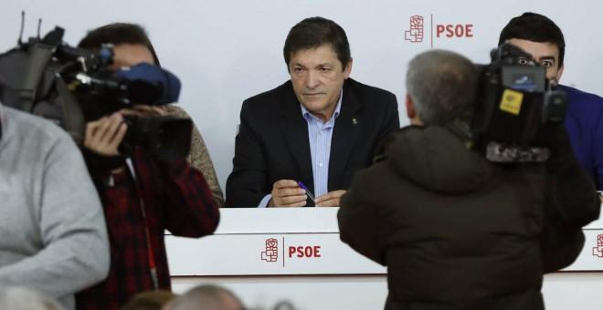 El presidente de la Comisión Gestora del PSOE, Javier Fernández, al comienzo del Comité Federal del pasado enero. EFE