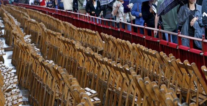 Las cifras se disparan hasta los 789,55 euros por un palco de seis sillas en esta zona cercana a la Catedral y al Ayuntamiento de Sevilla. EFE