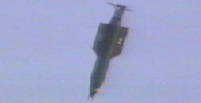 La GBU-43 Massive Ordnance Air Blast en un lanzamiento de prueba en Florida en noviembre de 2003. - REUTERS