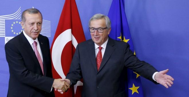 UE revisará su relación con Turquía tras dudoso referéndum