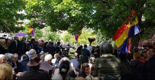 Cientos de personas han acudido a homenajear a los soldados de la Nueve
