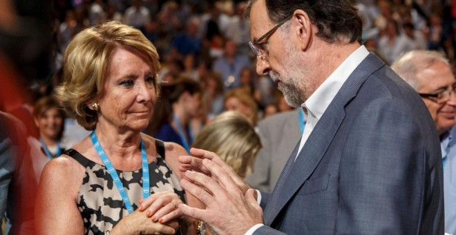 Esperanza Aguirre y Mariano Rajoy, en una imagen de archivo. REUTERS