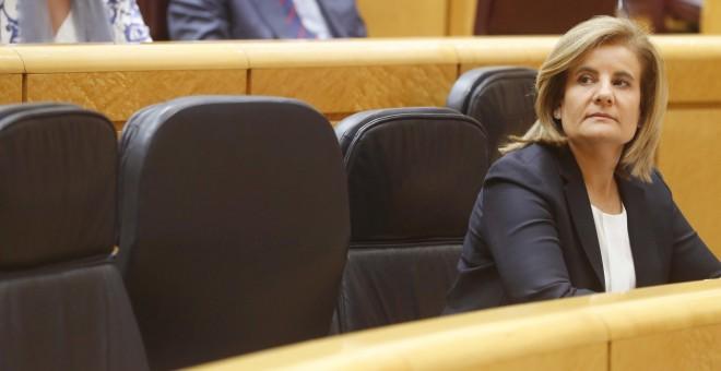 La ministra de Empleo, Fátima Báñez, durante la sesión de control al Gobierno esta tarde en el Senado. EFE/Javier Lizón