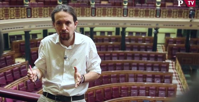 El líder de Podemos, Pablo Iglesias, en un momento de su entrevista con 'Público', días antes de que se debata en el Congreso su moción de censura contra Rajoy. PÚBLICOTV
