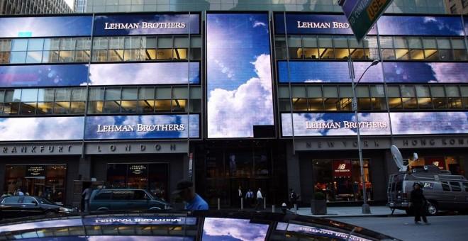La sede del banco de inversión Lehman Brothers en Manhattan, Nueva York, en septiembre de 2008. AFP/Mario Tama