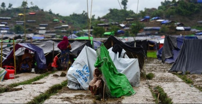 Una mujer rohinyá en un campamento improvisado en Ukhia, Bangladesh. - AFP