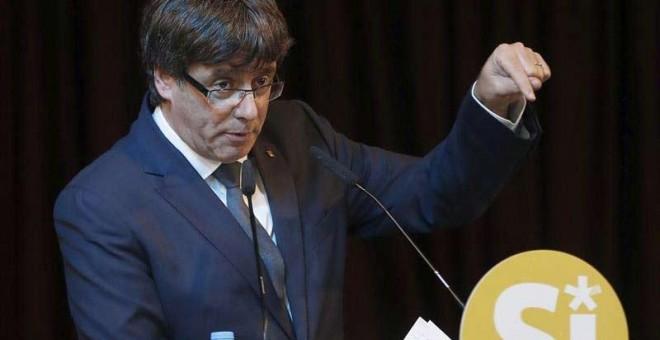 Carles Puigdemont durante un reciente acto en favor del Sí. | ANDREU DALMAU (EFE)