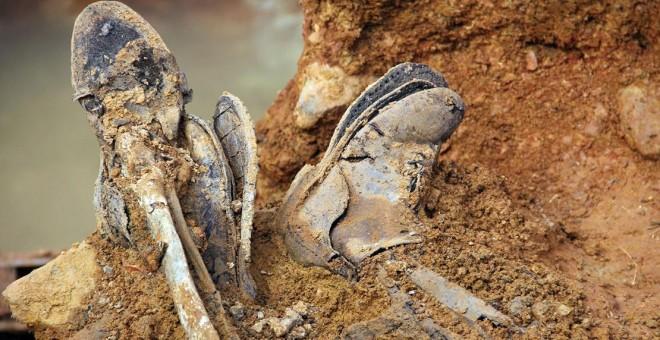 Restos de cuerpos exhumados en la fosa común de Chillón (Ciudad Real)   ARMH