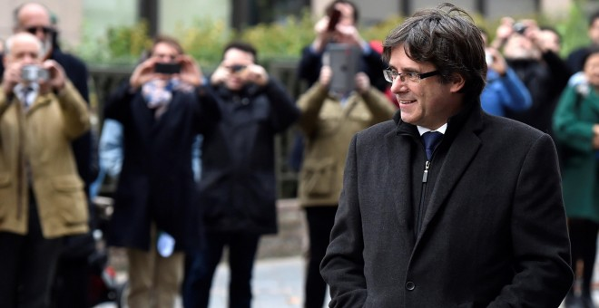 El expresident catalán, Carles Puigdemont, a su llegada para su comparecencia en el Press Club Brussels Europe, en la capital belga. REUTERS/Yves Herman