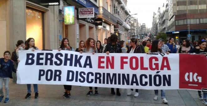 Las trabajadoras de Bershka en Pontevedra mantienen la huelga tras rechazar una subida salarial de sólo diez euros al mes