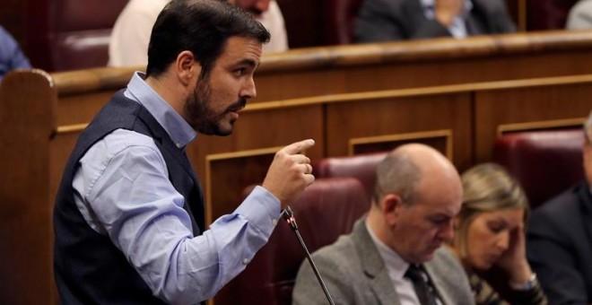 El líder de IU, Alberto Garzón, durante una de sus intervenciones en la sesión de control al Ejecutivo de este miércoles. EFE/ Ballesteros