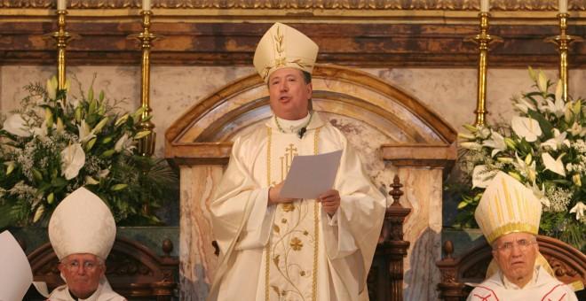 El arzobispo castrense Juan del Río Martín, en su toma de posesión en 2008. MD