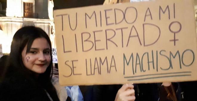Manifestaciones 25n Las Calles De España Se Llenan De Miles