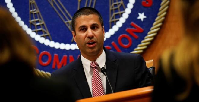 Chairman Ajit Pai habla tras la Comisión Federal de Comunicaciones. REUTERS/Aaron P. Bernstein