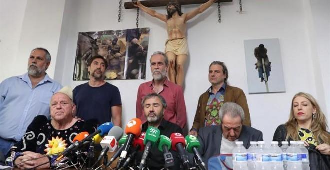 Willy Toledo y otros actores/EFE