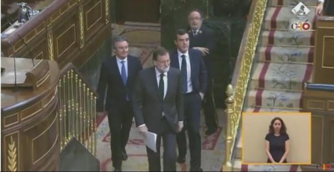 Rajoy aparece en el hemiciclo.