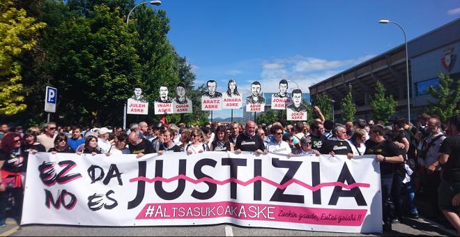 Manifestación en Pamplona en solidaridad con los jóvenes de Altsasu / Danilo Albin