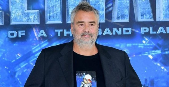 Tres mujeres denuncian al director Luc Besson por agresión sexual.