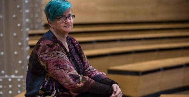 La autora Cathy O'Neil en la Fundación Telefónica de Madrid. JAIRO VARGAS