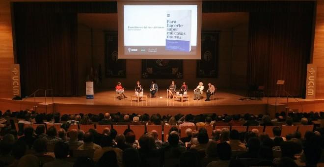 Más del 1.000 personas acuden a la presentación del libro 'Para hacerte saber mil cosas nuevas. Ciudad Real 1939' en Ciudad Real. TWITTER/@mapasdememoria