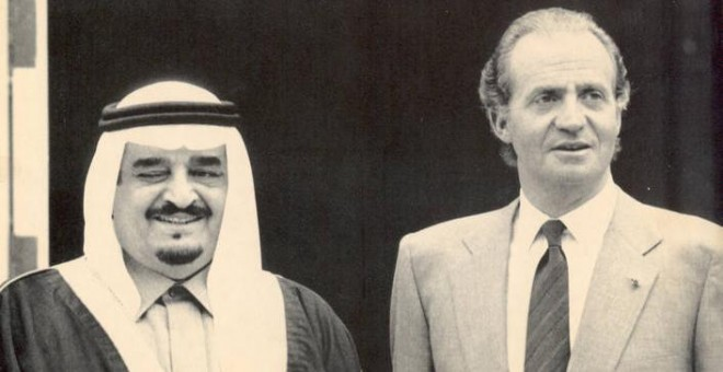 El rey emérito Juan Carlos I con Fahd bin Abdulaziz Al Saud. / EFE