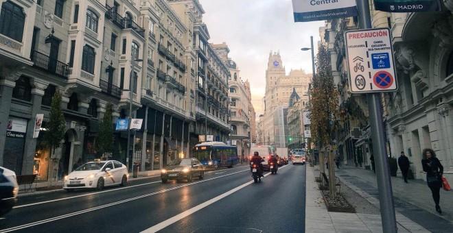 Gran Vía a las 8.30 horas el día de la entrada en vigor de Madrid Central