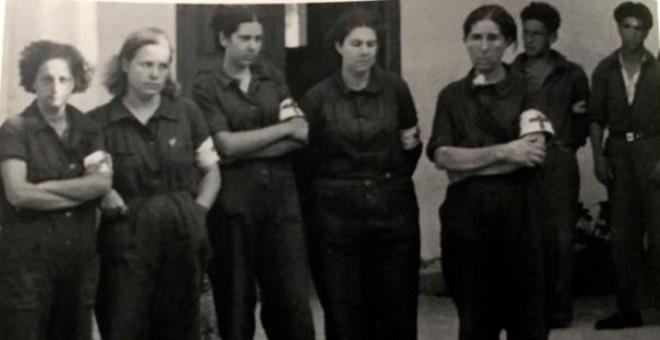 Las cinco milicianas asesinadas en Manacor. Esta es la foto que da inicia a la investigación que se cuenta en el documental.