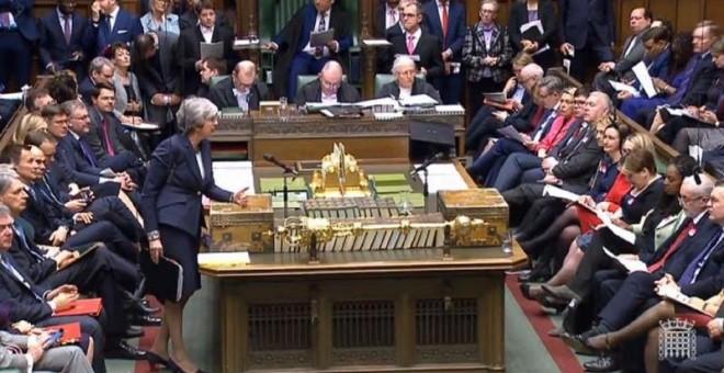 La primera ministra británica, Theresa May, mientras da un discurso ante la Cámara de los Comunes. - EFE