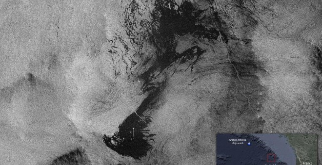 Derrame de petróleo de América Grande fotografiado por el satélite Copernicus./Copernicus Sentinel (2019)