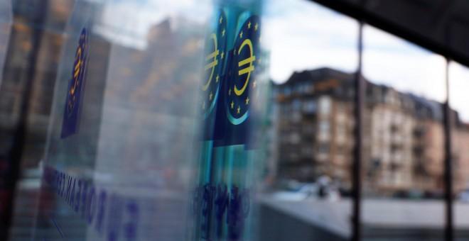 07/03/2019 - El reflejo de una ventana del Banco Central Europeo. / REUTERS