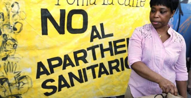 Organizaciones en Madrid se manifiestan en contra de lo que llaman el 'Apartheid Sanitario' (EFE)